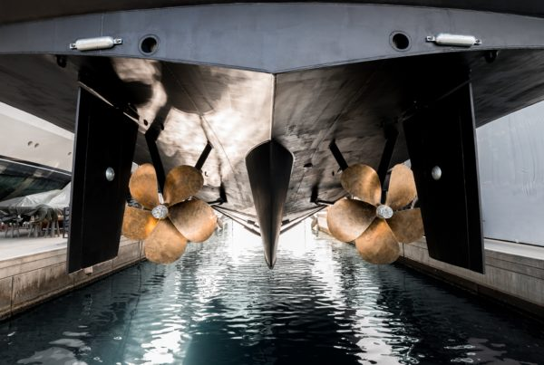 Superyacht,Being,Lowered,Into,The,Water,After,Winter,Haul,Out